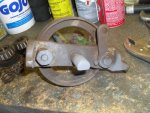 1 Rusted rear axle & brake shoes.jpg
