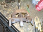4 Rusted rear axle & brake shoes.jpg